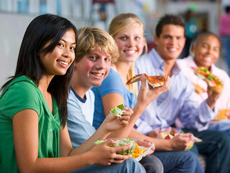 تغذیه مناسب دوران بلوغ و نوجوانی