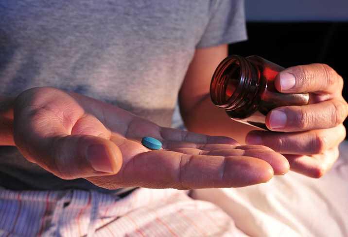 عکس مصرف داروهای خواب آور